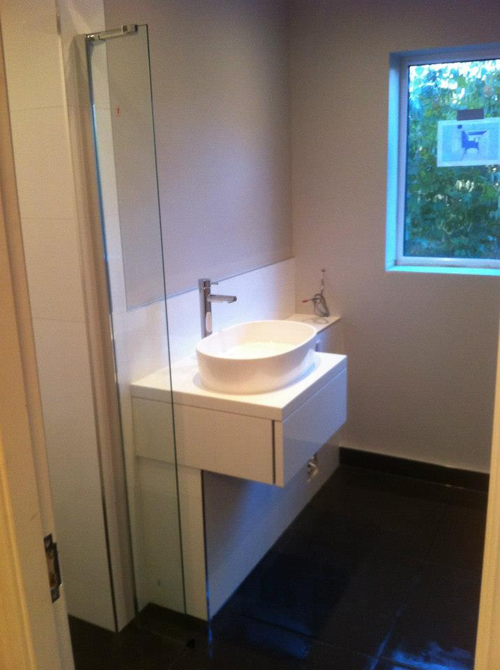 freestanding bath and wetroom installation papworth cambridge bath and wetrooms 14 cbwr