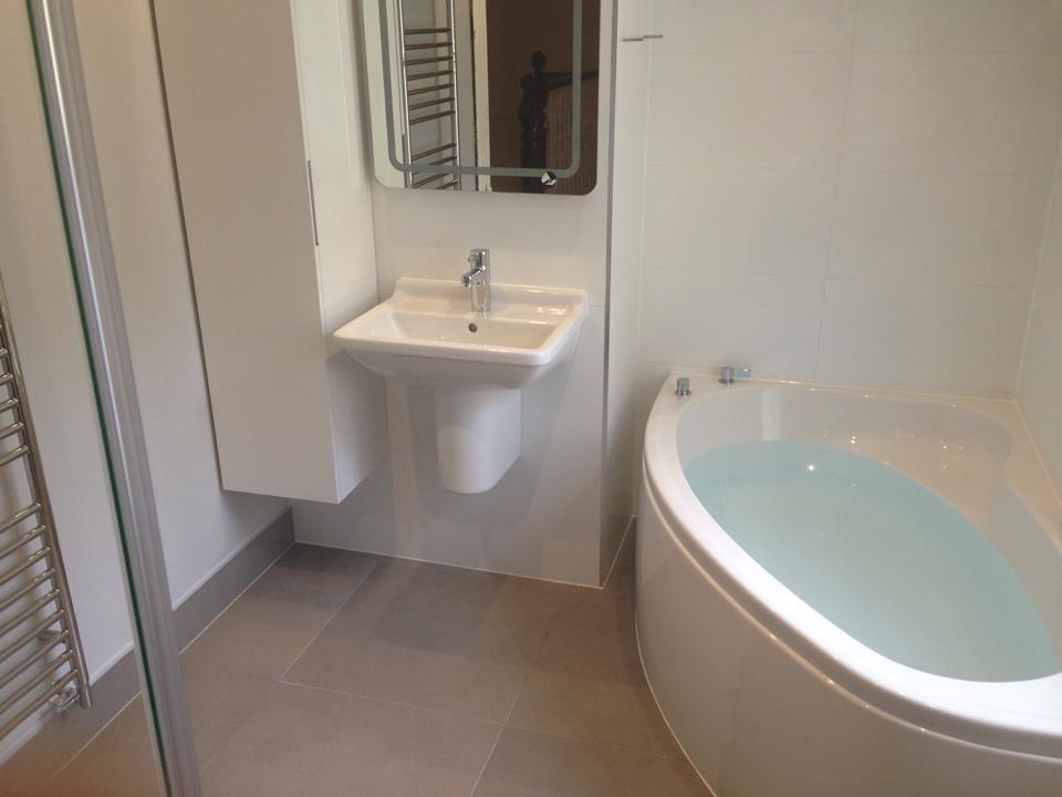 Corner Bath And Wetroom Central Cambridge 7