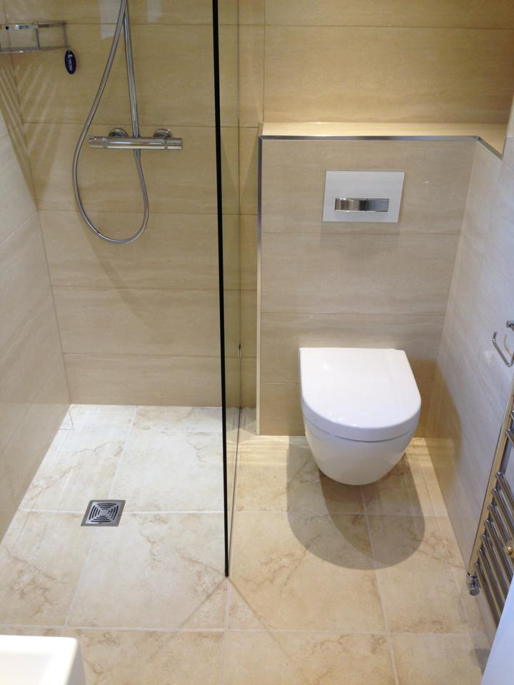 Small en suite wet rooms joy studio design gallery for Small ensuite wet room ideas